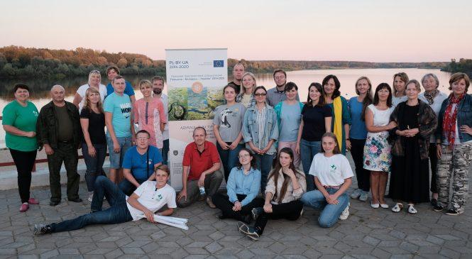 19-23 августа 2020 г. сотрудники «Центра экологических решений» приняли участие в образовательном практикуме в рамках инициативы «Сельский туризм через школу», проходившем в Брагинском и Лоевском районе